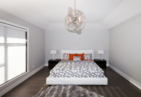 master bedroom: Master bedroom in new luxury house Stock Photo