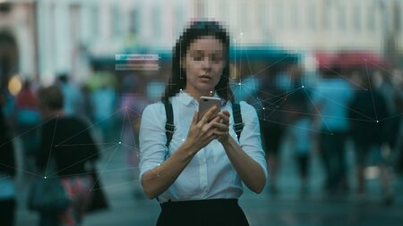 Smart technologies in your smartphone, collection and analysis of big data about a person through mobile services and applications. Identification and privacy in the context of modern digital technologies. Foto de archivo
