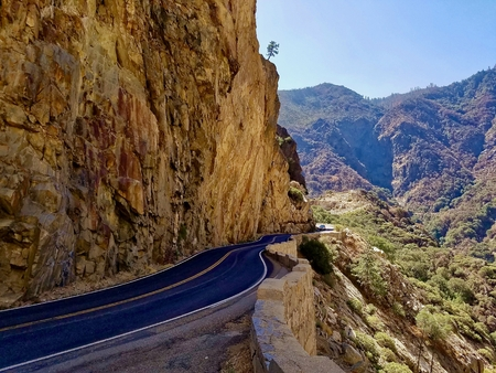 kings canyon national park: Scenic Highway in Kings Canyon National Park