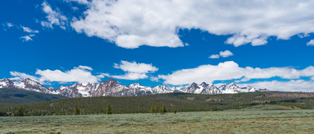 sawtooth national forest: A mountain range along the Sawtooth Byway in Idaho