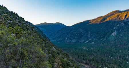 kings canyon national park: Dawn at the valley of Kings Canyon, taken near Cedar Grove
