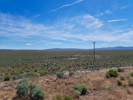 High desert plains from the Central Oregon Highway, USA