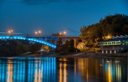 Bridge connecting Hamilton and Hamilton East at dusk