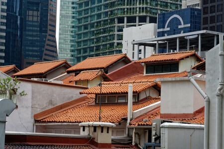 Contrast between modern and traditional architecture in Singapore
