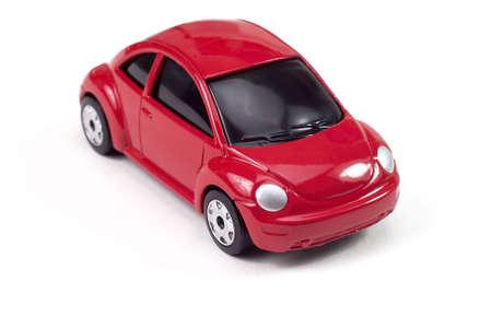 escarabajo: peque�o escarabajo de color rojo compacto coche de juguete Foto de archivo