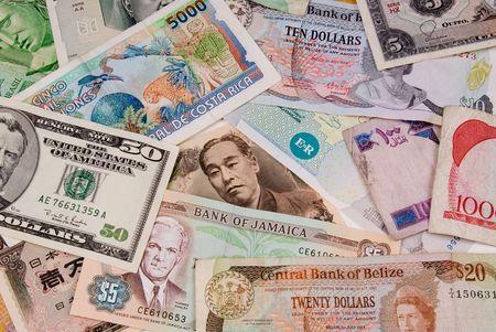 各種の国際紙のお金をクローズ アップ 写真素材