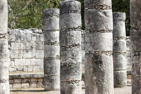 old ruinous pillars and walls in the forest 免版税图像
