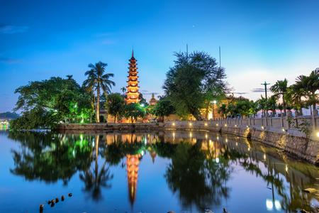 tran: beautiful Tran Quoc Pagoda