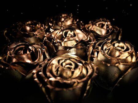 Goldene schwarze Blume stieg auf einen schwarzen Hintergrund. 3d übertragen Standard-Bild
