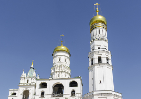 Russian Orthodox monastery church in sunny weather blue sky. Standard-Bild - 101180601