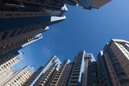 commercial real estate: Gran patio de un edificio de apartamentos