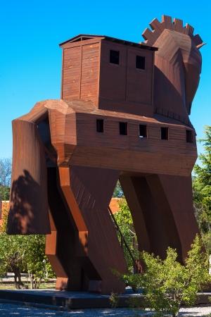 cavallo di troia: Modello del cavallo di Troia si trova a Troy, Turchia