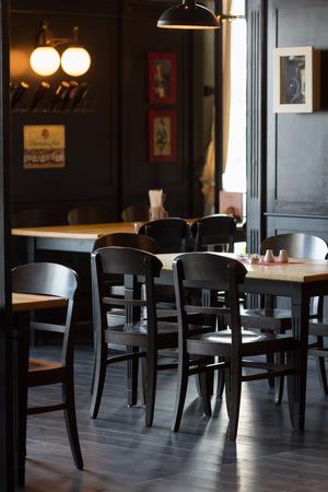 brasserie restaurant: Une partie de l'int�rieur de la brasserie confortable