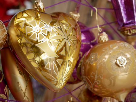 Christmas decorations in the shape of a golden heart