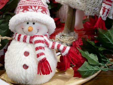 Muñeco de peluche de Navidad Feliz año nuevo plantilla de tarjeta de felicitación.