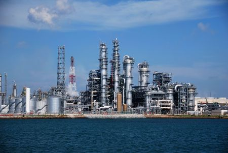 Refinery in Singapore photo