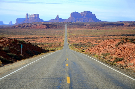 Mike marker 13 on Route 163 where Forrest Gump stop running, Monument Valley, Utah, US Imagens