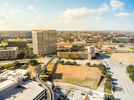 Top view light rail system and skylines in downtown Las Colinas, Banco de Imagens
