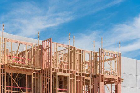 Modern podium construction of upscale apartment building complex near downtown Dallas, Texas, USA Zdjęcie Seryjne