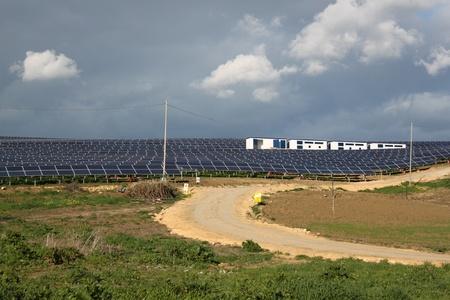ranges: Matrice di pannelli solari, rendendo fino del South Australia pi� grande Solar Power Station. Situato nelle gamme di Flinders.