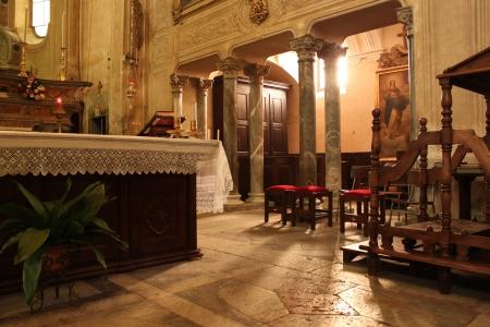 Internal Catholic church furnishings, Italy