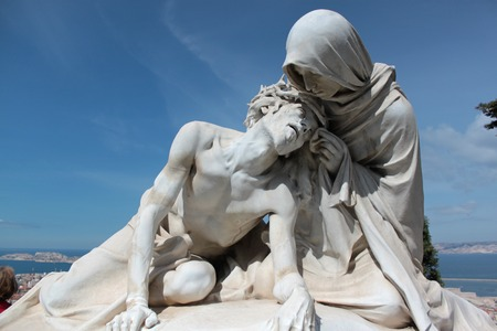 marble statue of the Virgin Mary and Jesus died in his arms photo