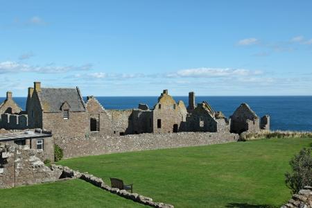 dunnottar castle: Dunnottar Castle In Aberdeen, Scotland