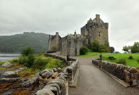 highlander: castello pi� famoso della Scozia La posizione Highlander Editoriali