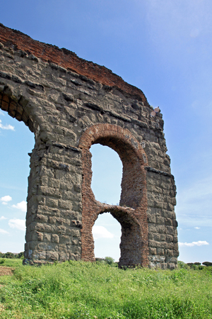 stone arches: stone arches of ancient Roman aqueduct