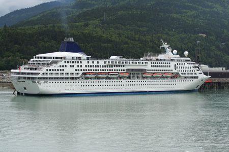 クルーズ船の港で 写真素材