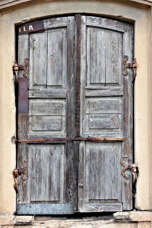 昔の使い古されたドアです。 写真素材