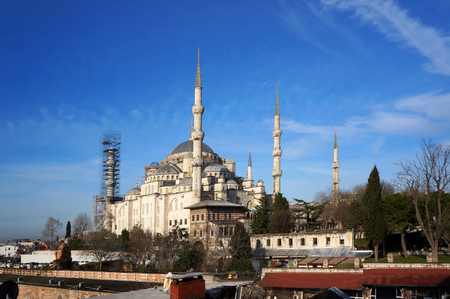 Famous Blue mosque (Sultanahmet Camii) in Istanbul, Turkey.