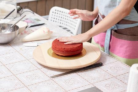 teaches: Home pastry chef teaches cooking red cake