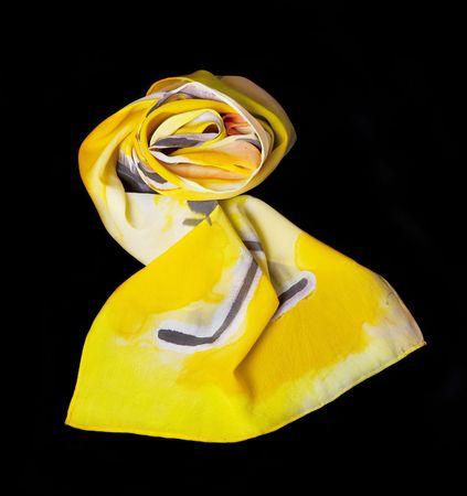 Multi gekleurde zijden sjaal op zwart geïsoleerd