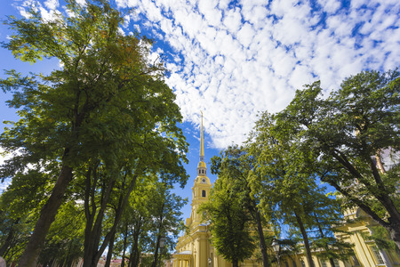 bewonderen: russia, peter, paul, tower, cathedral, white, travel, christian, spb, landmark, culture, petersburg, leningrad, history, postal, saint, bell, angel, magnificent, pinnacle, building, fortress, town-scape, church, admire, unesco, appearance, saintly, high,