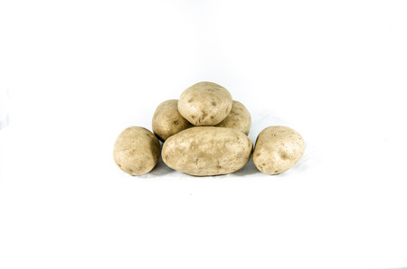 potato isolated on white Imagens