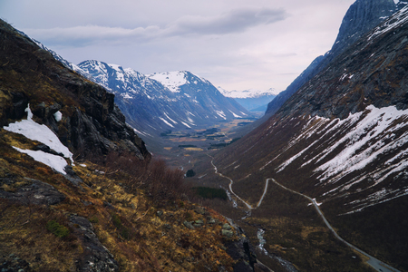 Trolls road in Norway - mountain route of Trollstigen, top view. Spring season. Banco de Imagens