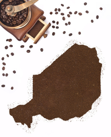 kibble: Coffee powder in the shape of Niger and a decorative coffee mill.(series)