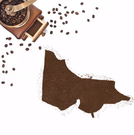 kibble: Coffee powder in the shape of Victoria and a decorative coffee mill.(series)