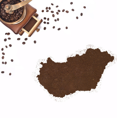 kibble: Coffee powder in the shape of Hungary and a decorative coffee mill.(series)