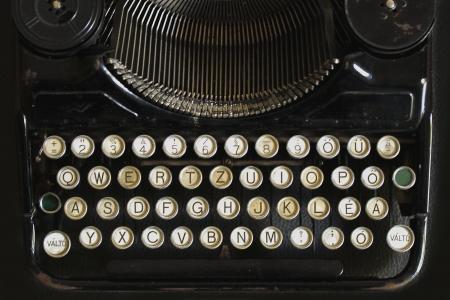 platen: old typewriter