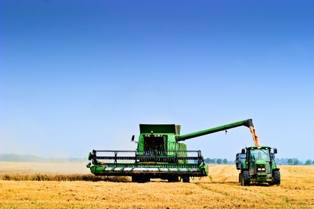 Working Agicultural Maschinen in den sonnigen Tag, Maschinen Serie
