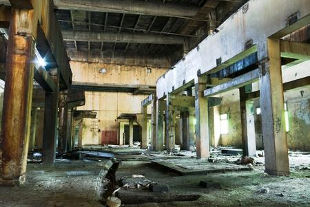 Ruinen einer sehr stark verschmutzten industrielle Fabrik, war der Ort als eines der am meisten verschmutzte Ort in Europa bekannt. Standard-Bild - 10379073