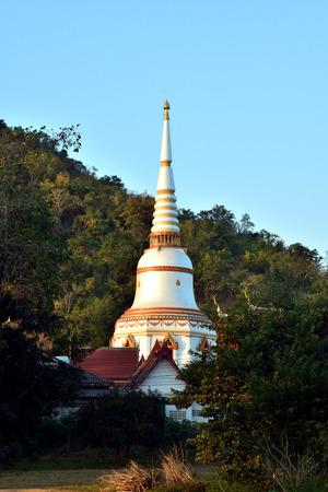 White Pearl Pagoda in kanchanaburi  , Thailand 版權商用圖片