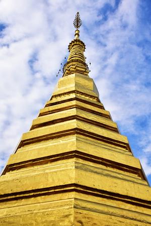 Buddha's relics in Phrae,Thailand 版權商用圖片