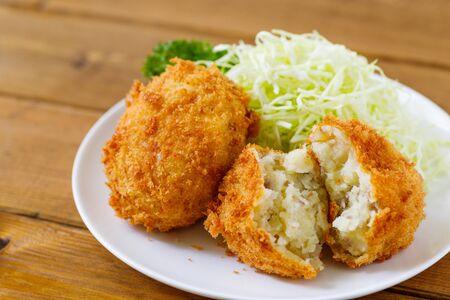 Potato Croquettes (Poteto-korokke)