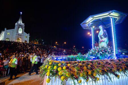Bukit Mertajam, PenangMalaysia - Jul 30 2016: Statue St Anne during procession pass the St Anne church. 新聞圖片