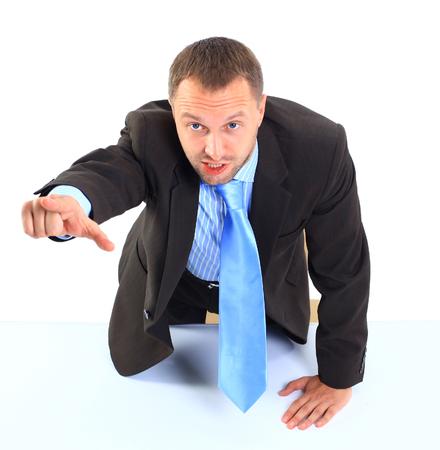 empresario enojado: Hombre de negocios enojado gritando y se�alando en usted
