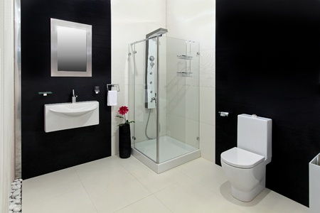 Modern bathroom with black and white tiles Stok Fotoğraf