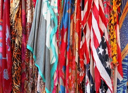 sciarpe: Mazzo di materiale di seta moda sciarpe colorate